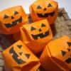 ハロウィンで使う装飾を折り紙で作る方法