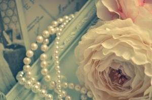 結婚式で女性がアクセサリーを選ぶ際の注意点とは? 画像2