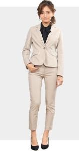 結婚式で女性が着るスーツのおすすめコーデをご紹介 画像1