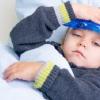 赤ちゃんに熱がある時に冷えピタは使えるか?効果は?