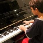 子供が習い事でピアノをやると頭が良くなるの?デメリットは?