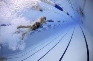 水泳を習わせると体が丈夫になるの??水泳を習わせるメリットとデメリットについて知りたい!! 画像1